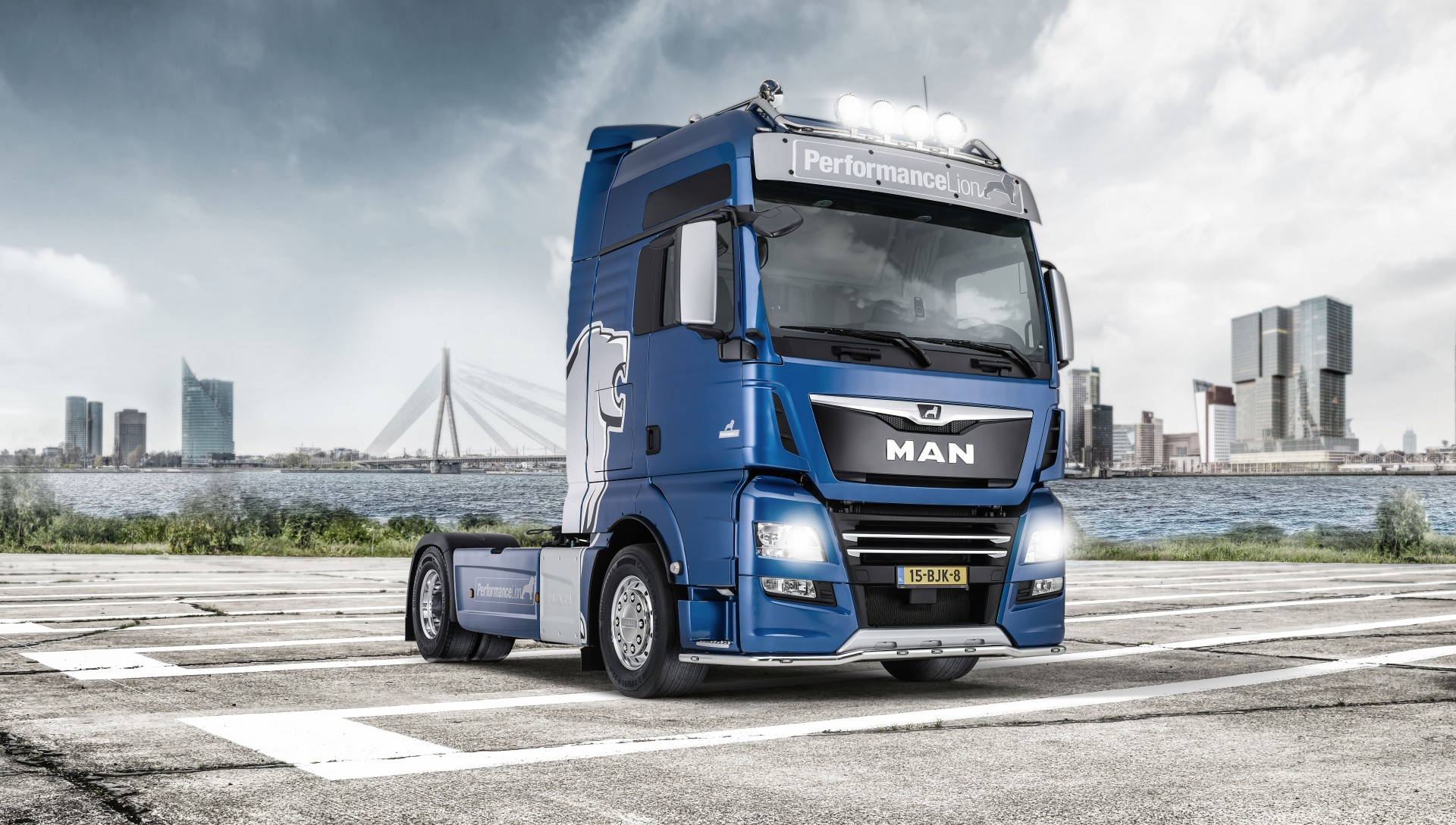 MAN TGX PerformanceLion