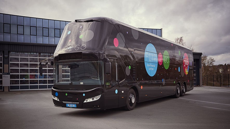 Bus Modification Centre bouwt NEOPLAN Skyliner om tot interactieve belevingswereld