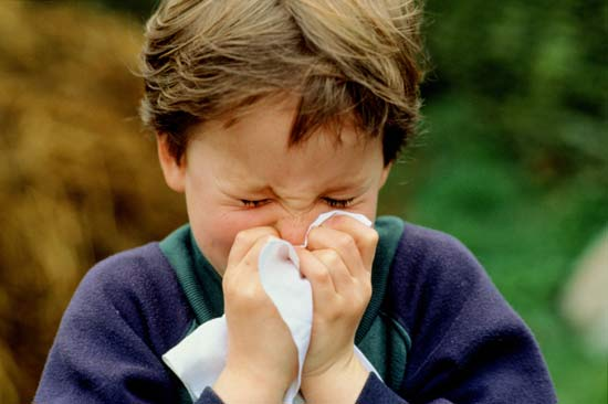 Sneezing+with+tissue