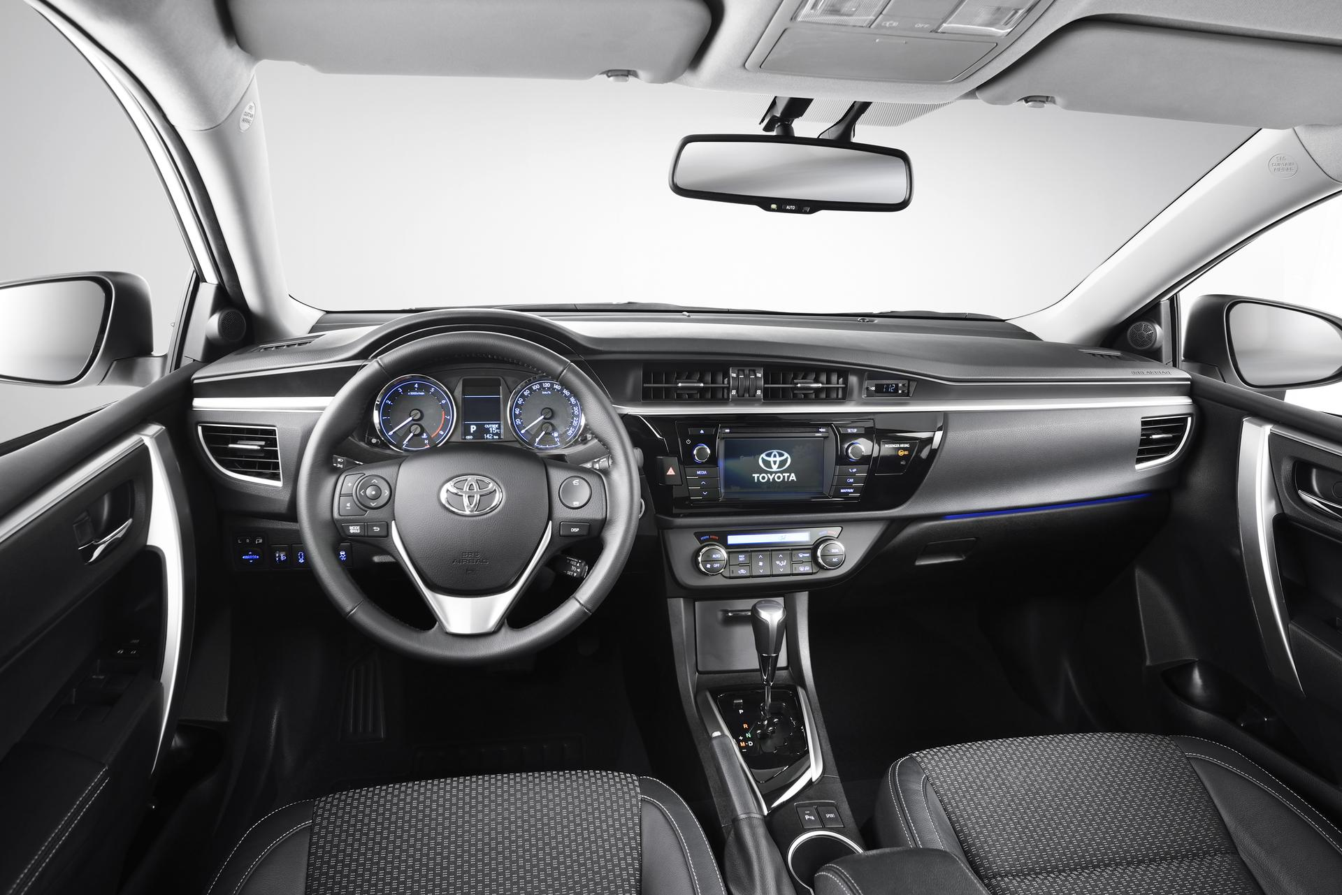 2013 The new Toyota Corolla DPL: Interior