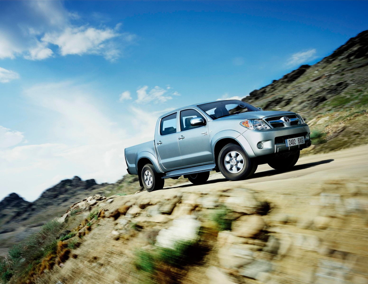 Kekurangan Toyota Hilux 2005 Perbandingan Harga