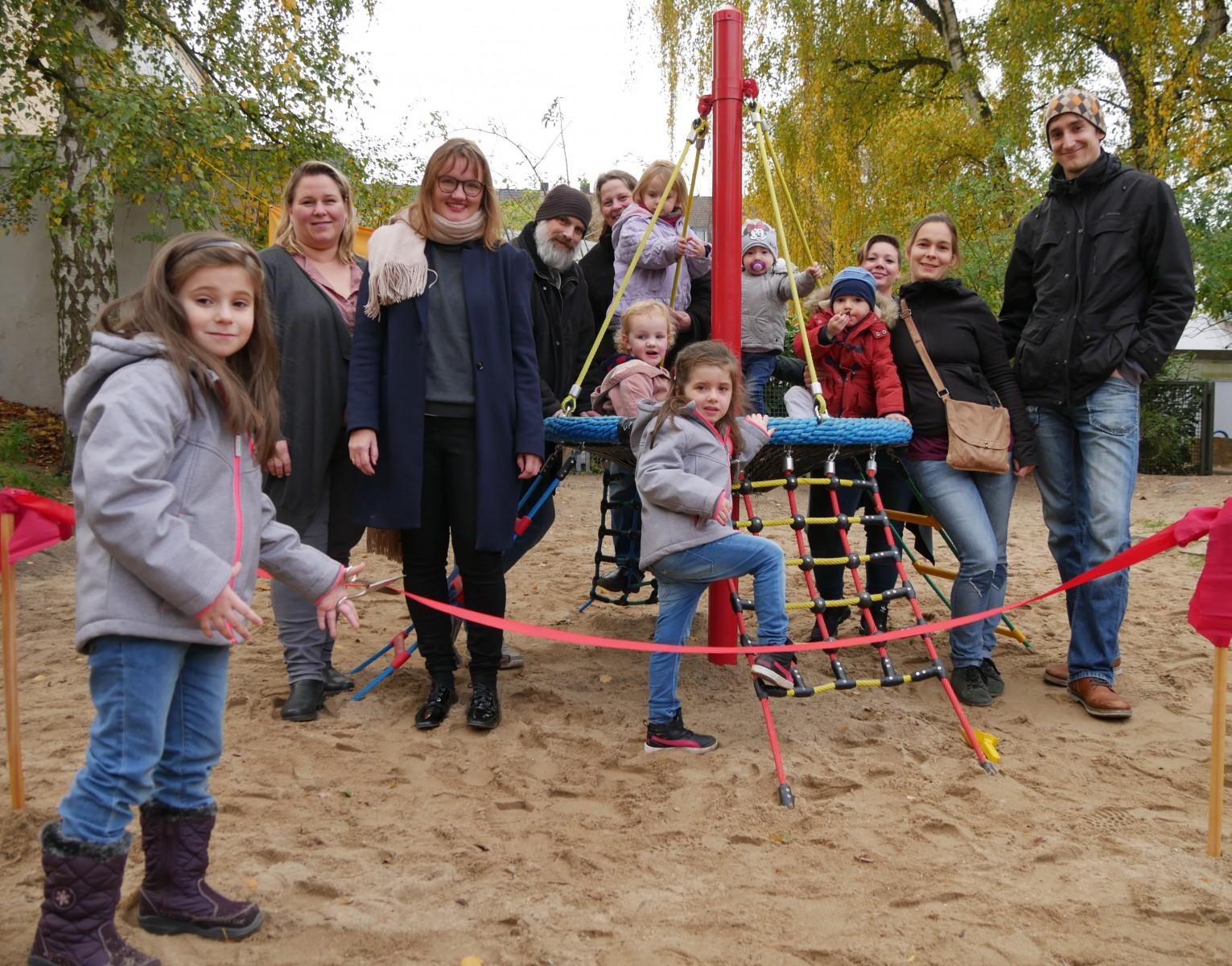 Klettergerüst English : Kindertagesstätte st josef erhält neues klettergerüst