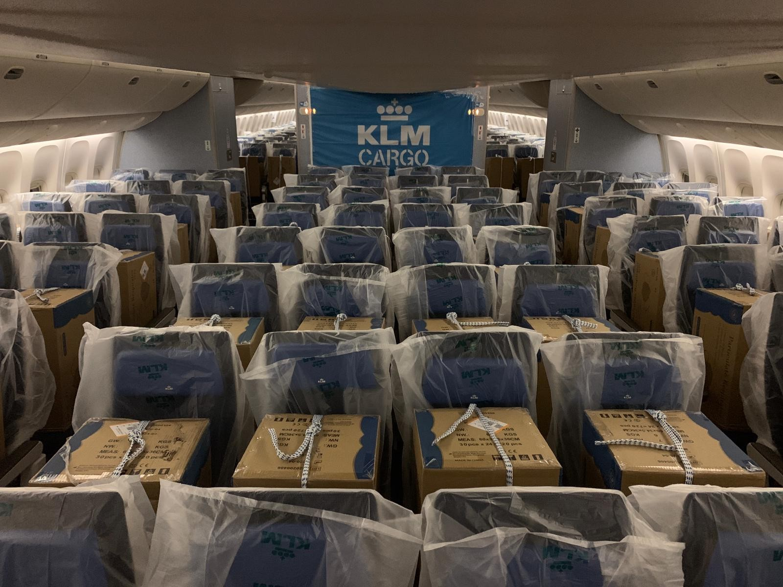 Testbed Vegas - KLM introduces Cargo-in-Cabin: carrying cargo on passenger seats