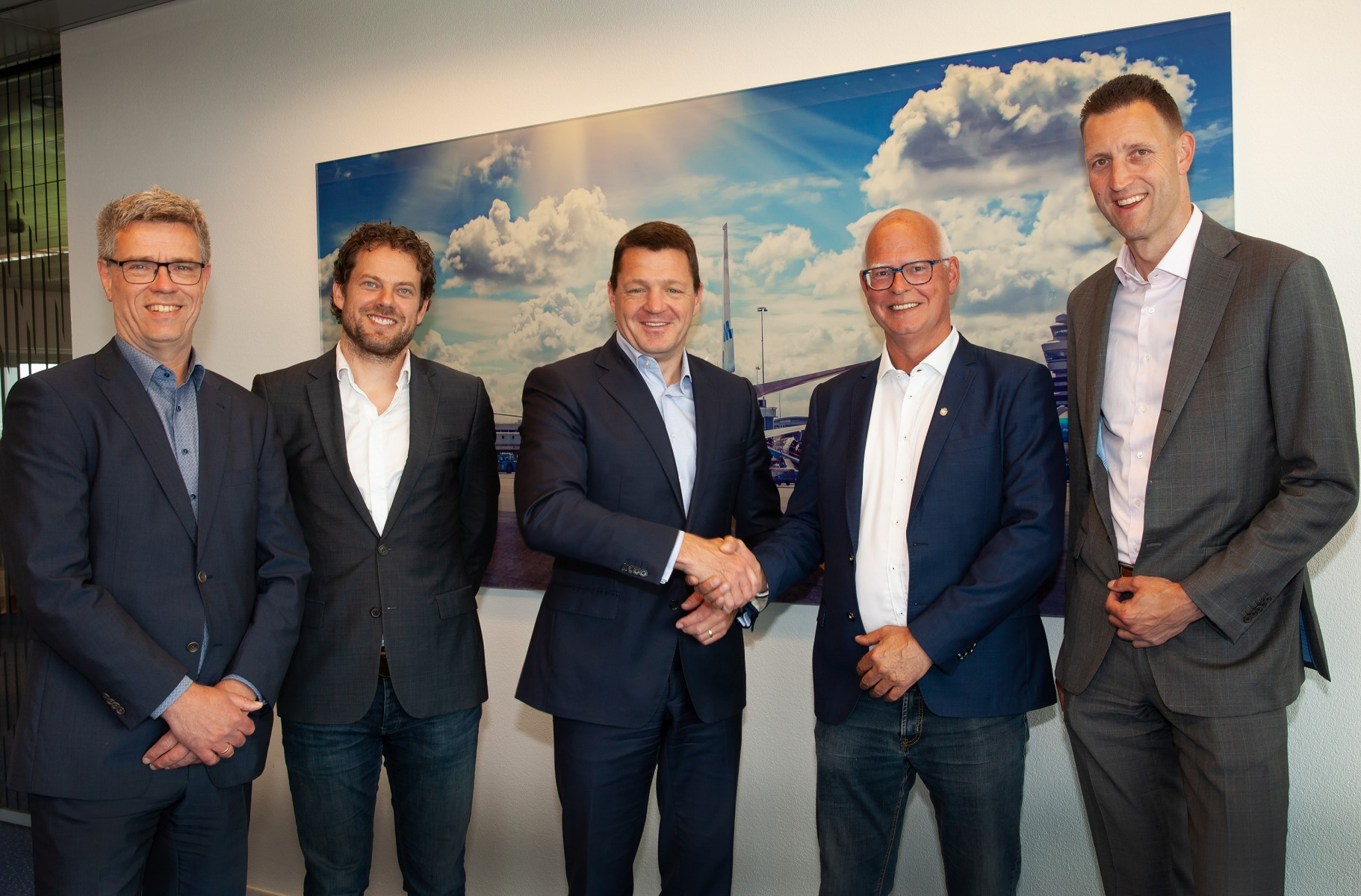 Contract signing Dam tot Damloop