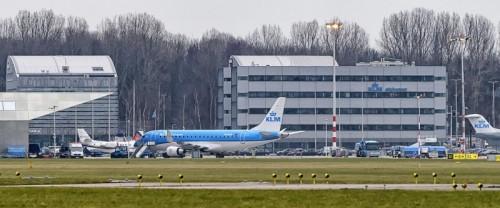 PH-EXW Schiphol Airport (Roel Ovinge)