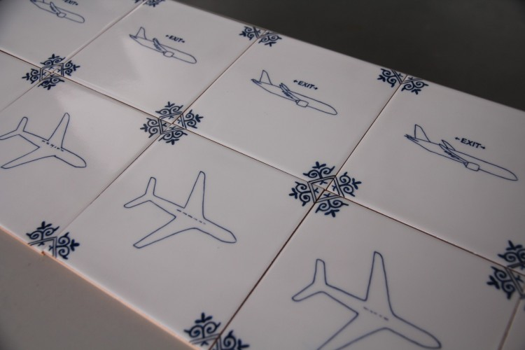 Delfts Blauwe Tegels : Klms nieuwe flight safety film is een animatie van delfts blauwe