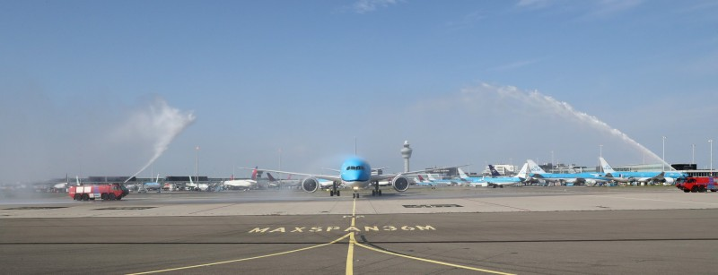 Primer Boeing 787-10 de KLM llegando a Ámsterdam.