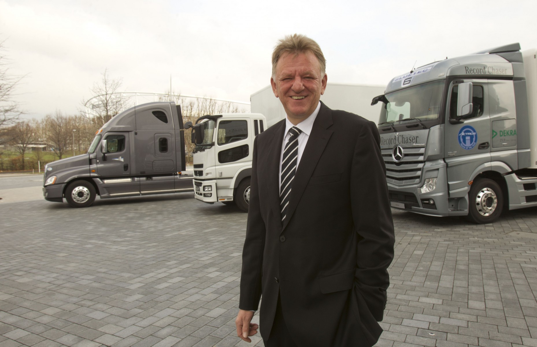 Daimler Trucks Aims to Increase Unit Sales and Market Share in 2012