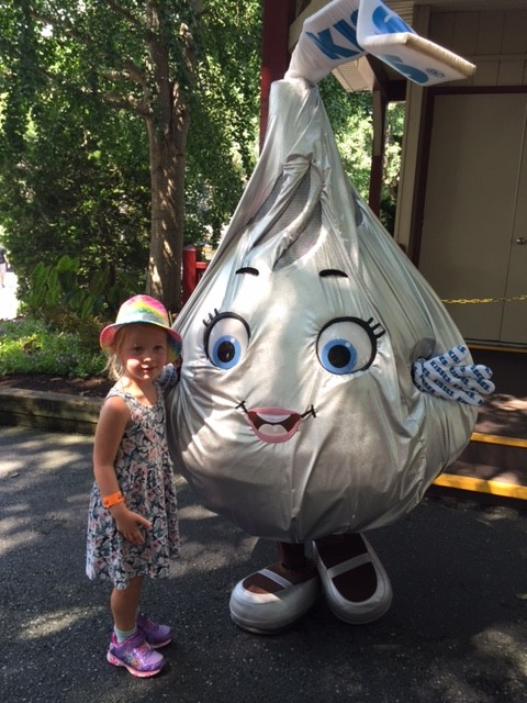 Hugs and Kisses at Hersheypark