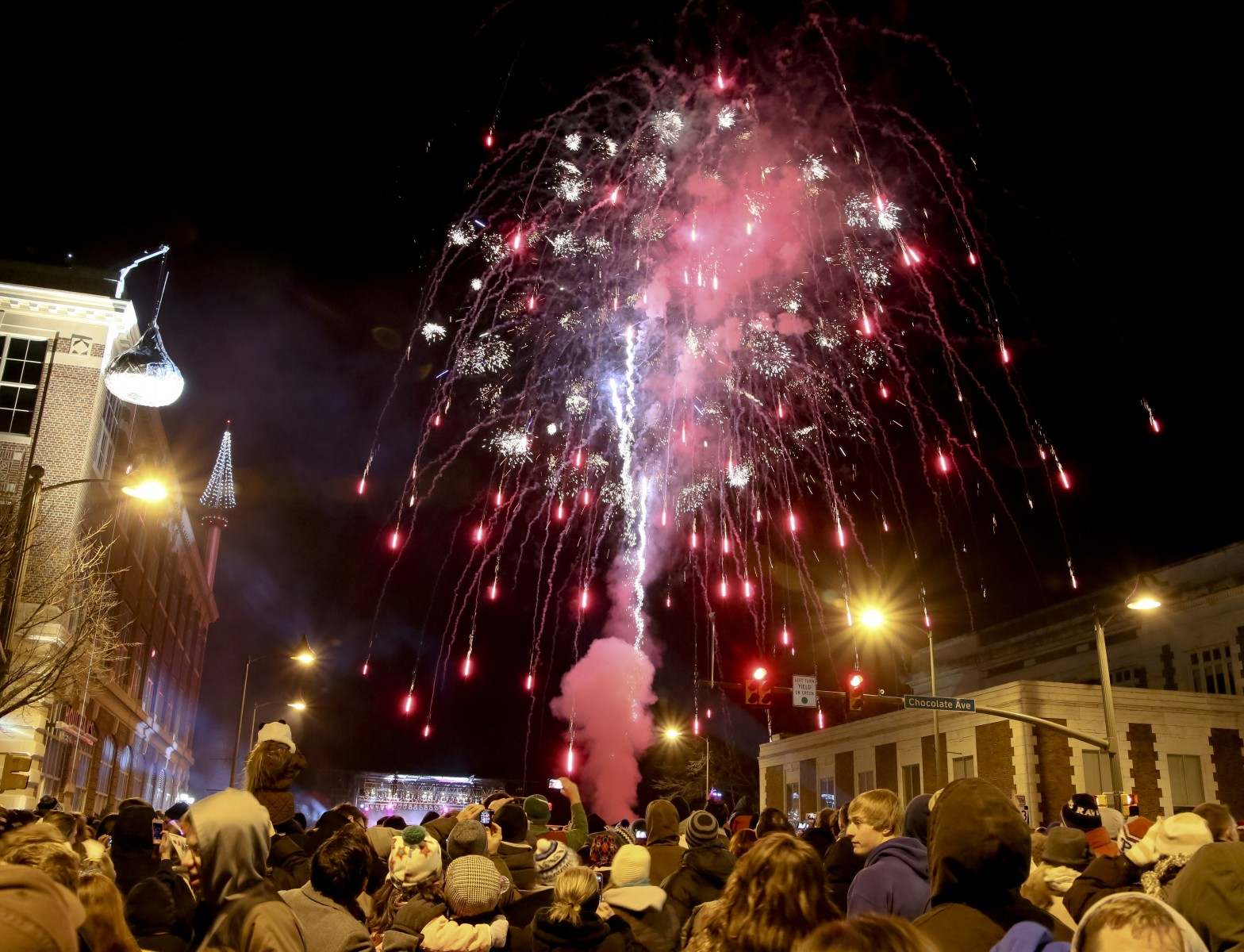 Raising the Kiss: New Year's Eve in Hershey The Sweetest Place On Earth