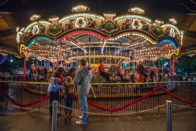 Hershey Park Christmas.Sweet Savings For Hersheypark Christmas Candylane