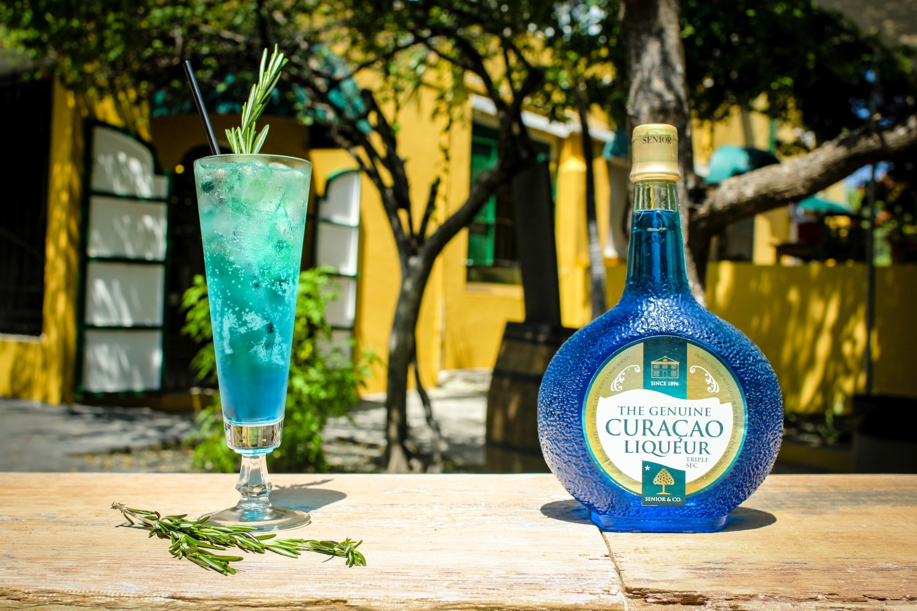 How to Pronounce Blue Curaçao