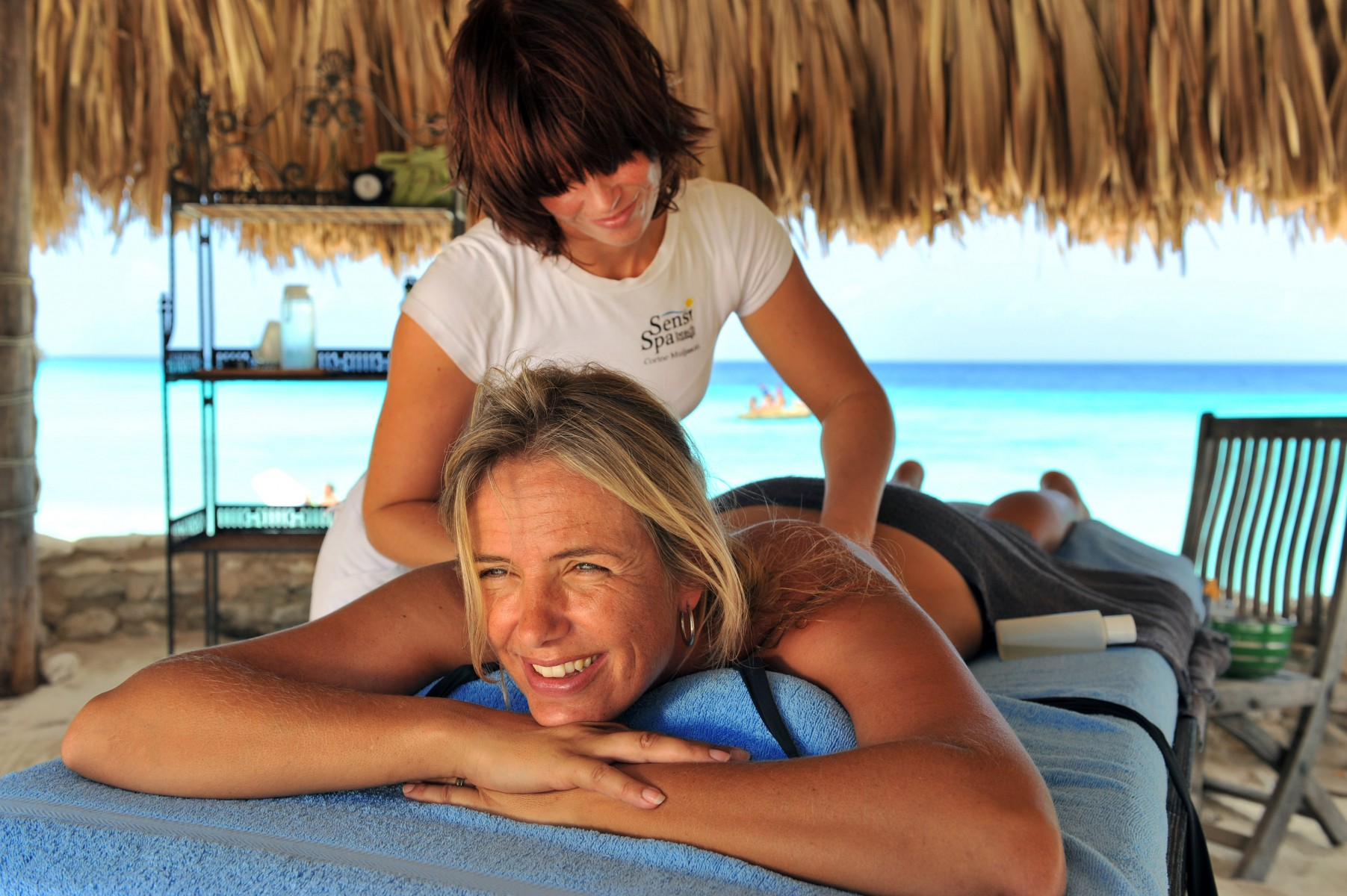 Beach_activity_Cas-Abou_woman_enjoying_massage_on-_the_beach_Curacao-09