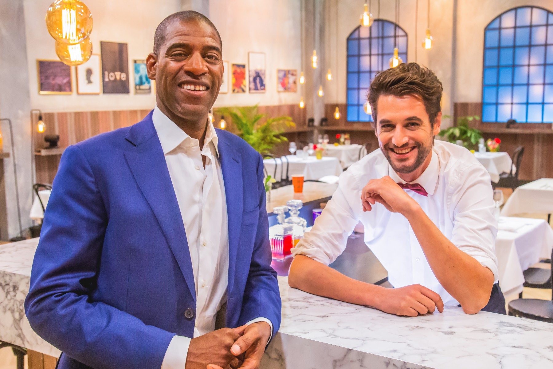 First Dates - Maitre Sergio en Barman Victor