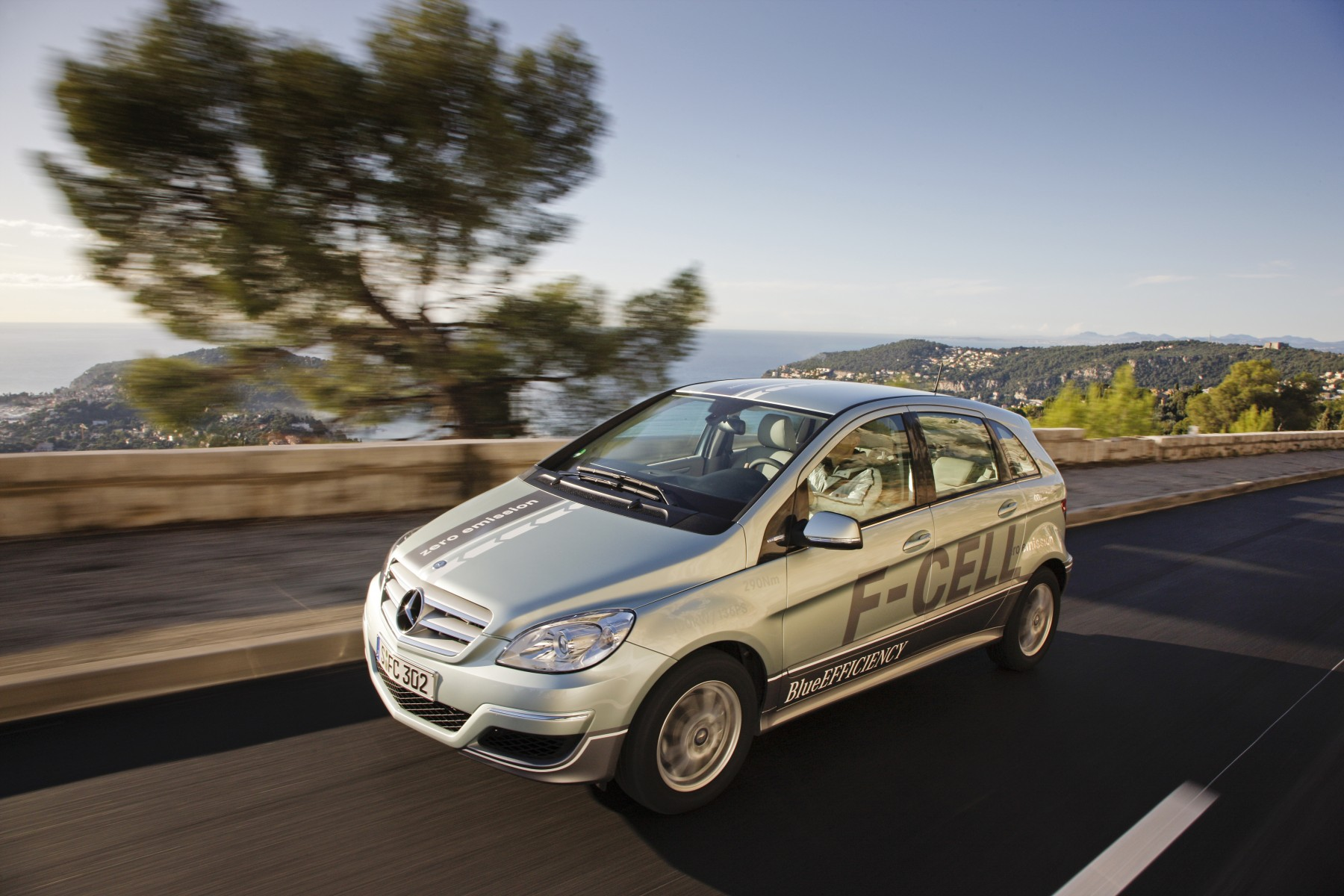 The Mercedes-Benz B-Class F-CELL is in customers hands in Europe and the US already since 2010.