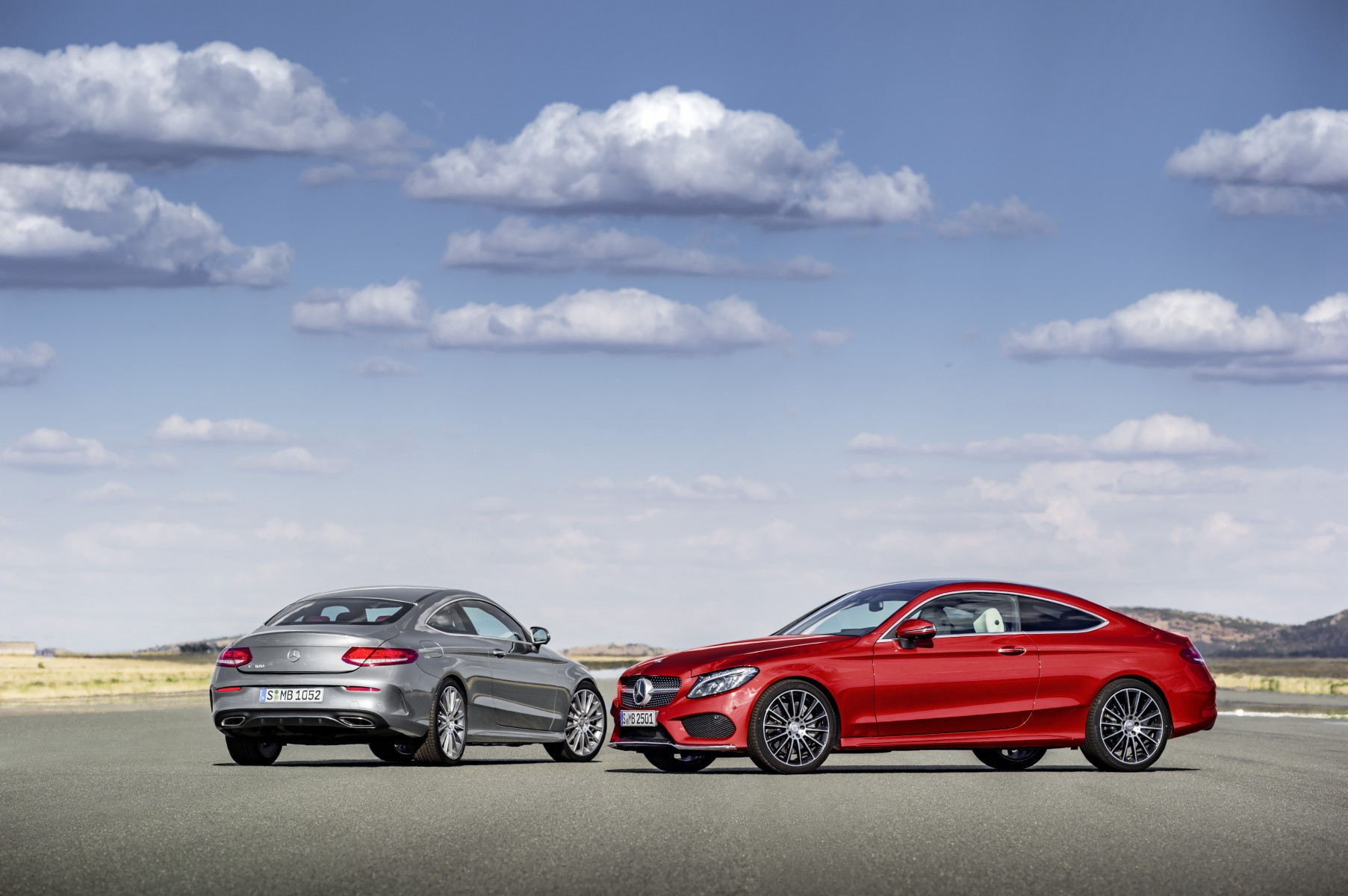 Mercedes-Benz C-Class Coupé C 250 d 4MATIC, hyacinth red, leather porcellain/black; Mercedes-Benz C-Class Coupé C 300, selenit grey, leather cranberry red