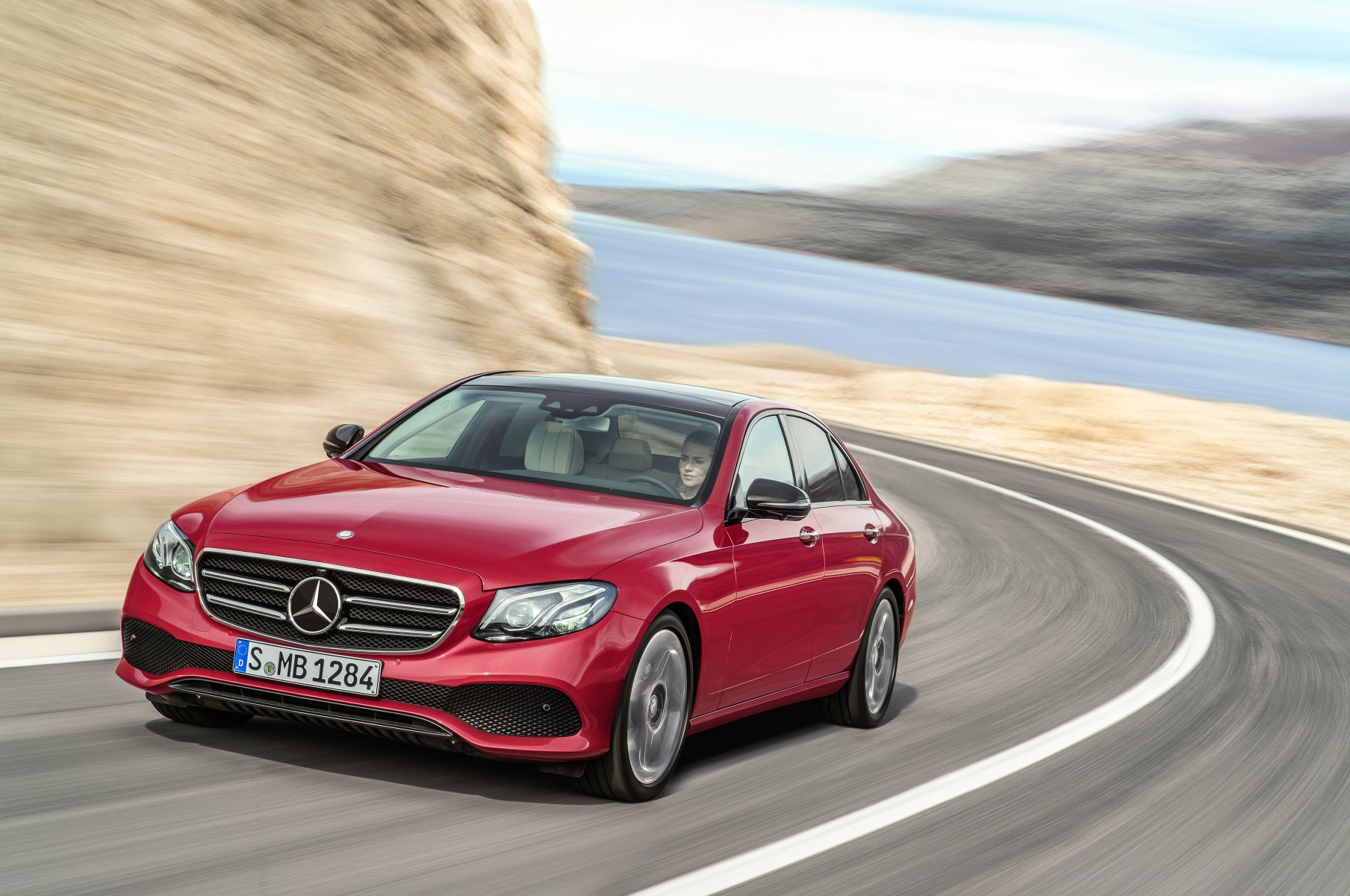 Mercedes-Benz E-Class, E 220 d, AVANTGARDE, Night Package, Hyazinth red, black/macciato