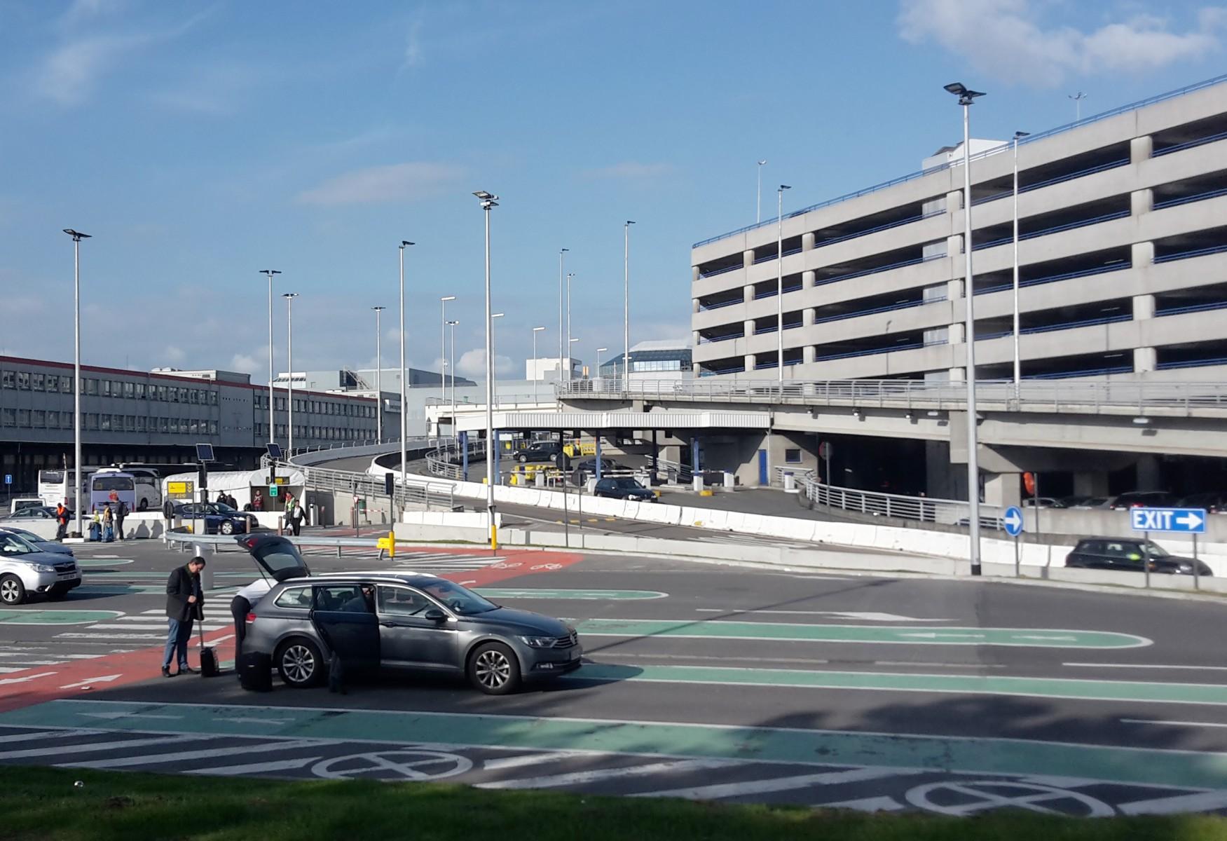 brussels airport expands passenger drop off area. Black Bedroom Furniture Sets. Home Design Ideas