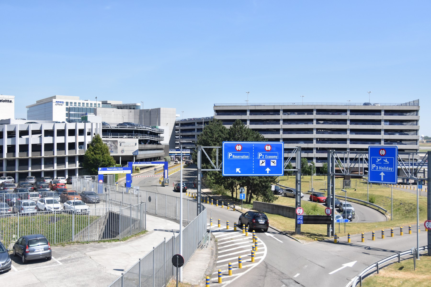526bfee87a Stress-free passenger pick-up and drop-off at Brussels Airport