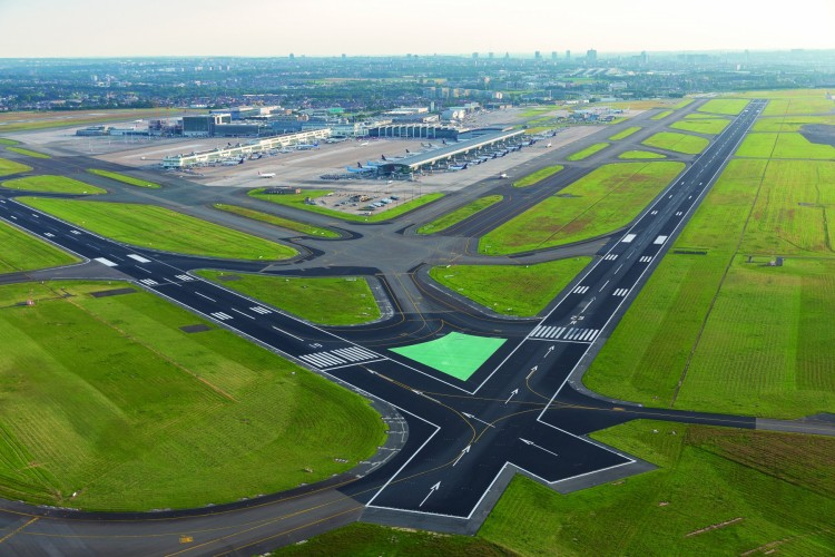 Press+Photo+Brussels+Airport+Runways+crossing+25R+and+19