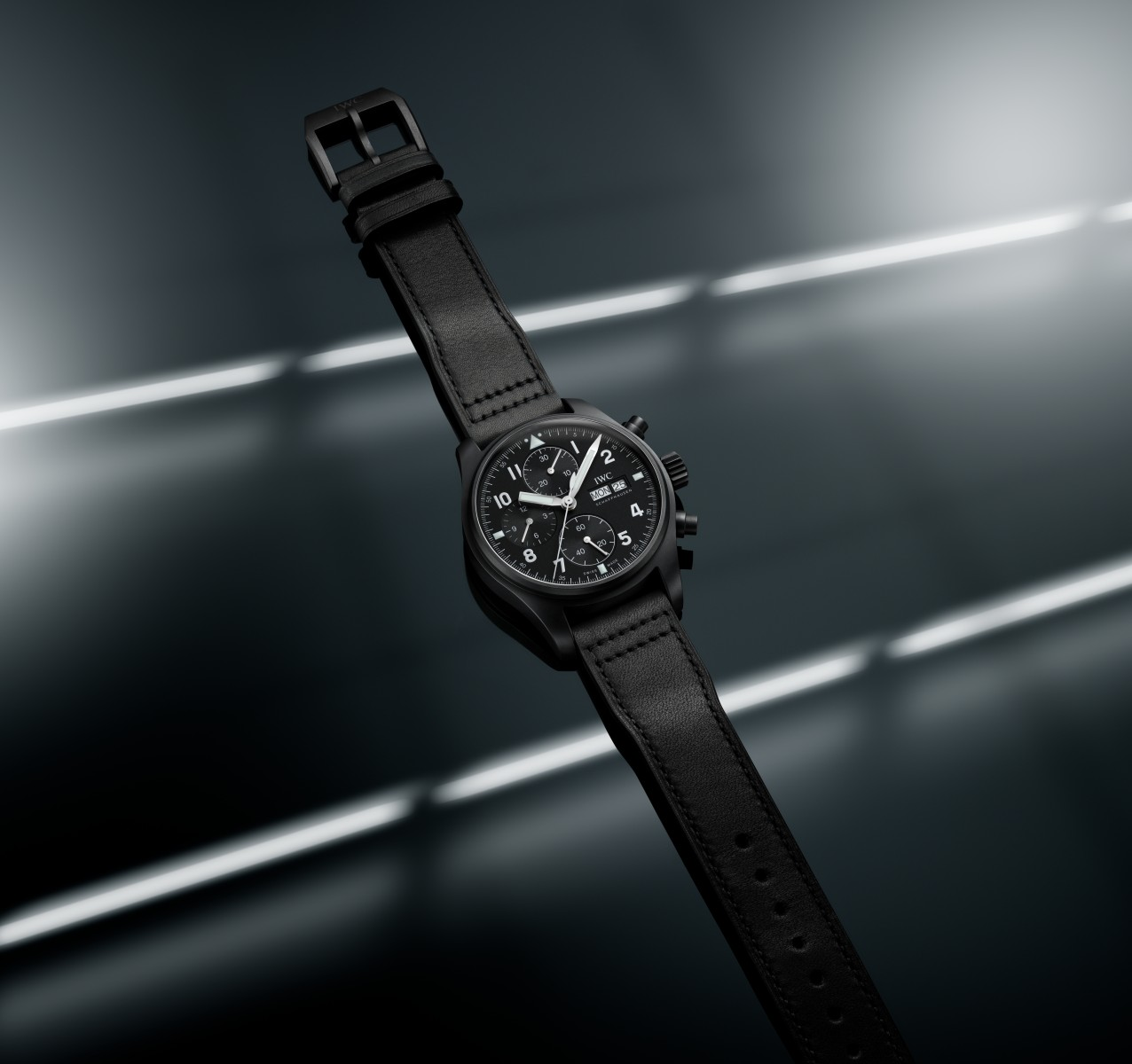 IWC_PILOTS WATCH CHRONOGRAPH TRIBUTE TO 3705_IW387905_lifestyle