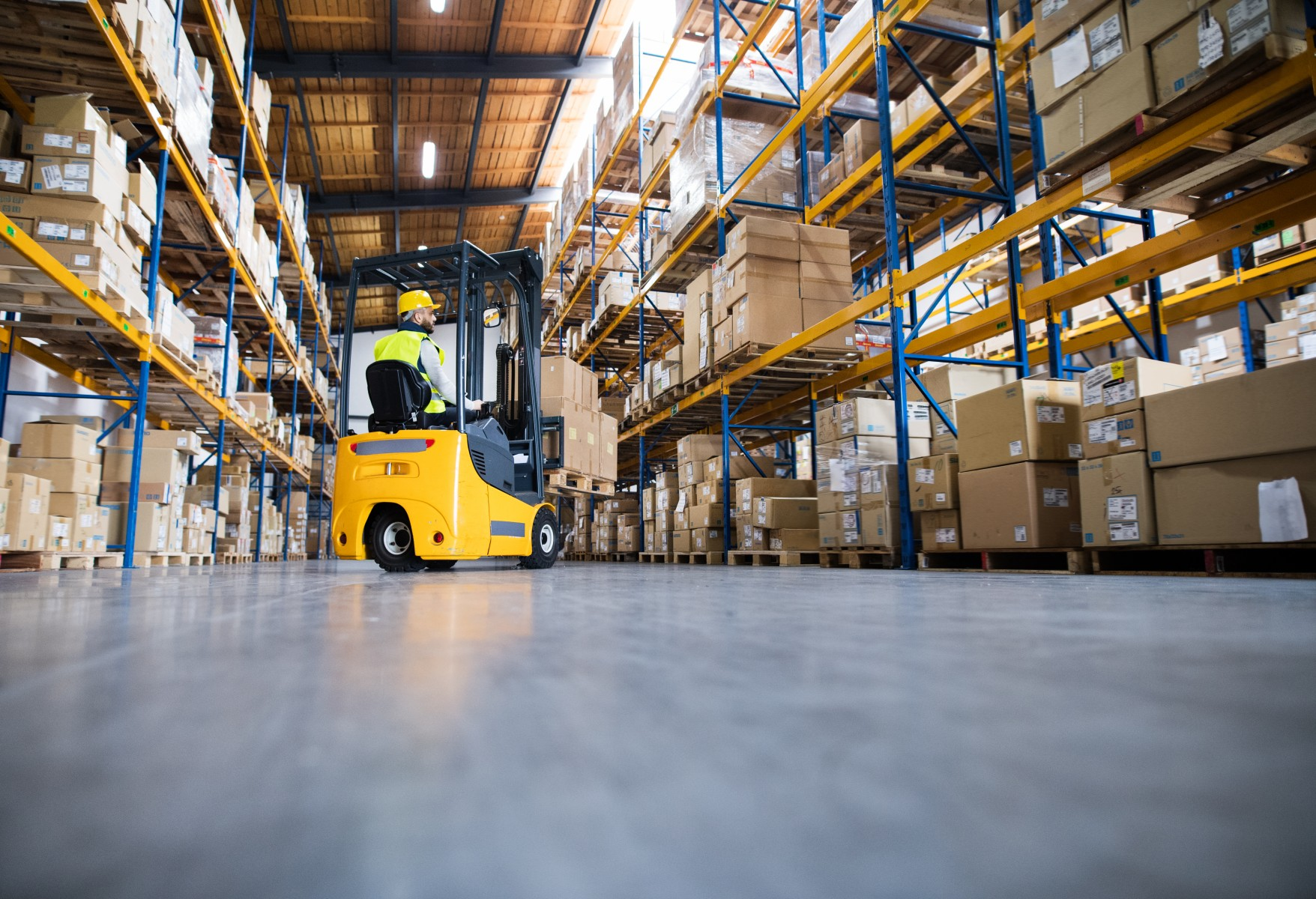 Warehouse-Man-Worker-Forklift-0219