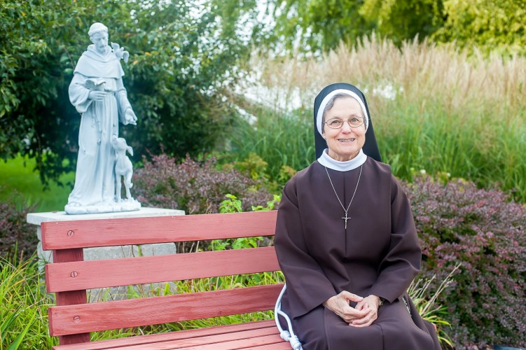 SisterJudithAnn wStFrancis statue