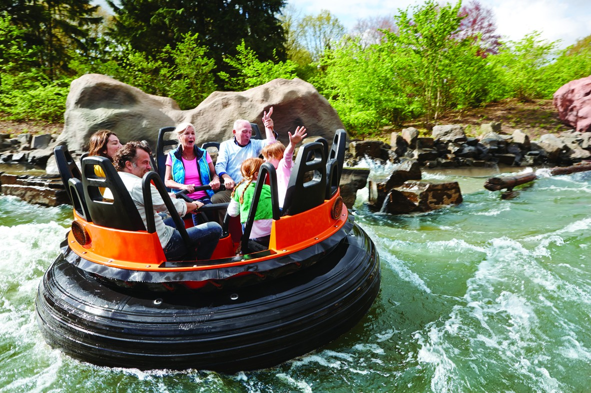 Piraña river rapids ride
