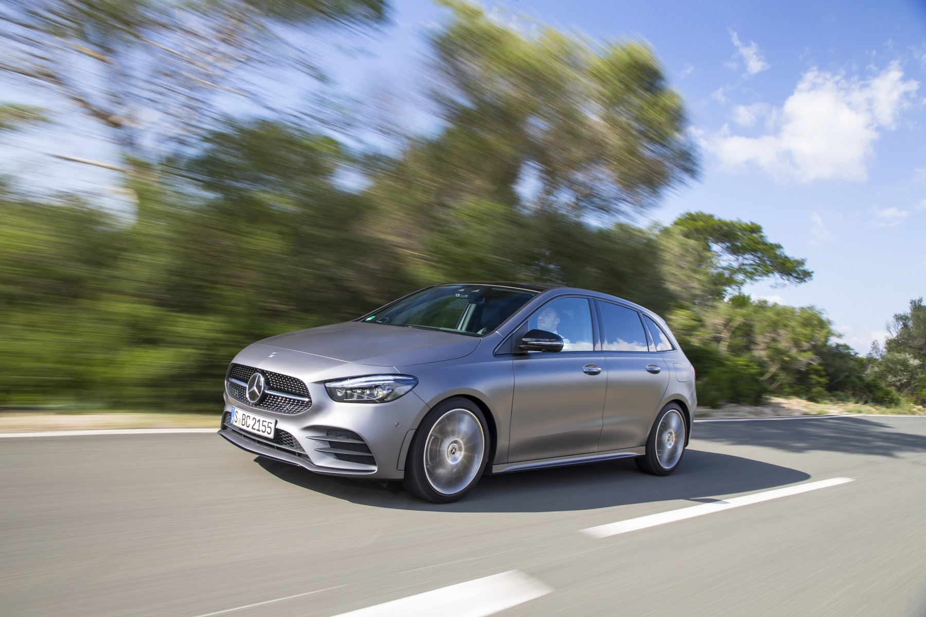 Classe_B_200_d_AMG_Line_mountain_grey_magno (8)