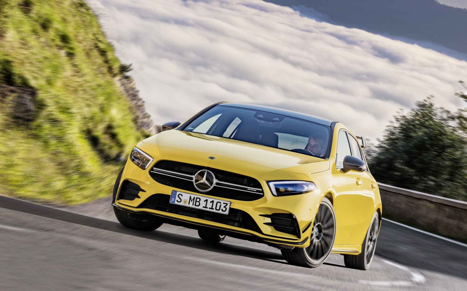 Mercedes-AMG A 35 4MATIC (16)