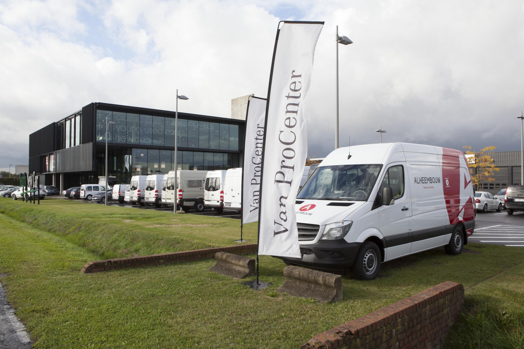 Mercedes-Benz Vans labellise son 100e Van ProCenter