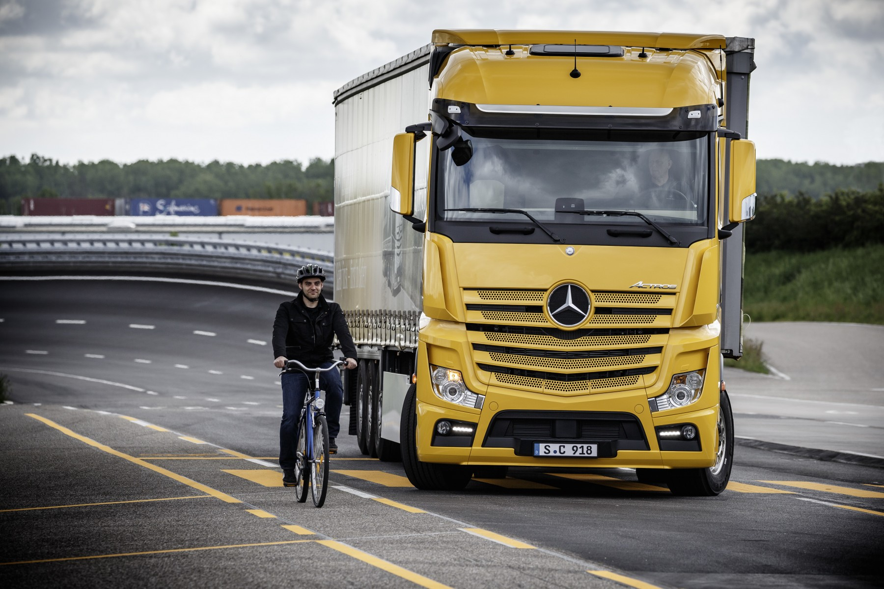 Mercedes-Benz Trucks France : résultats 2016