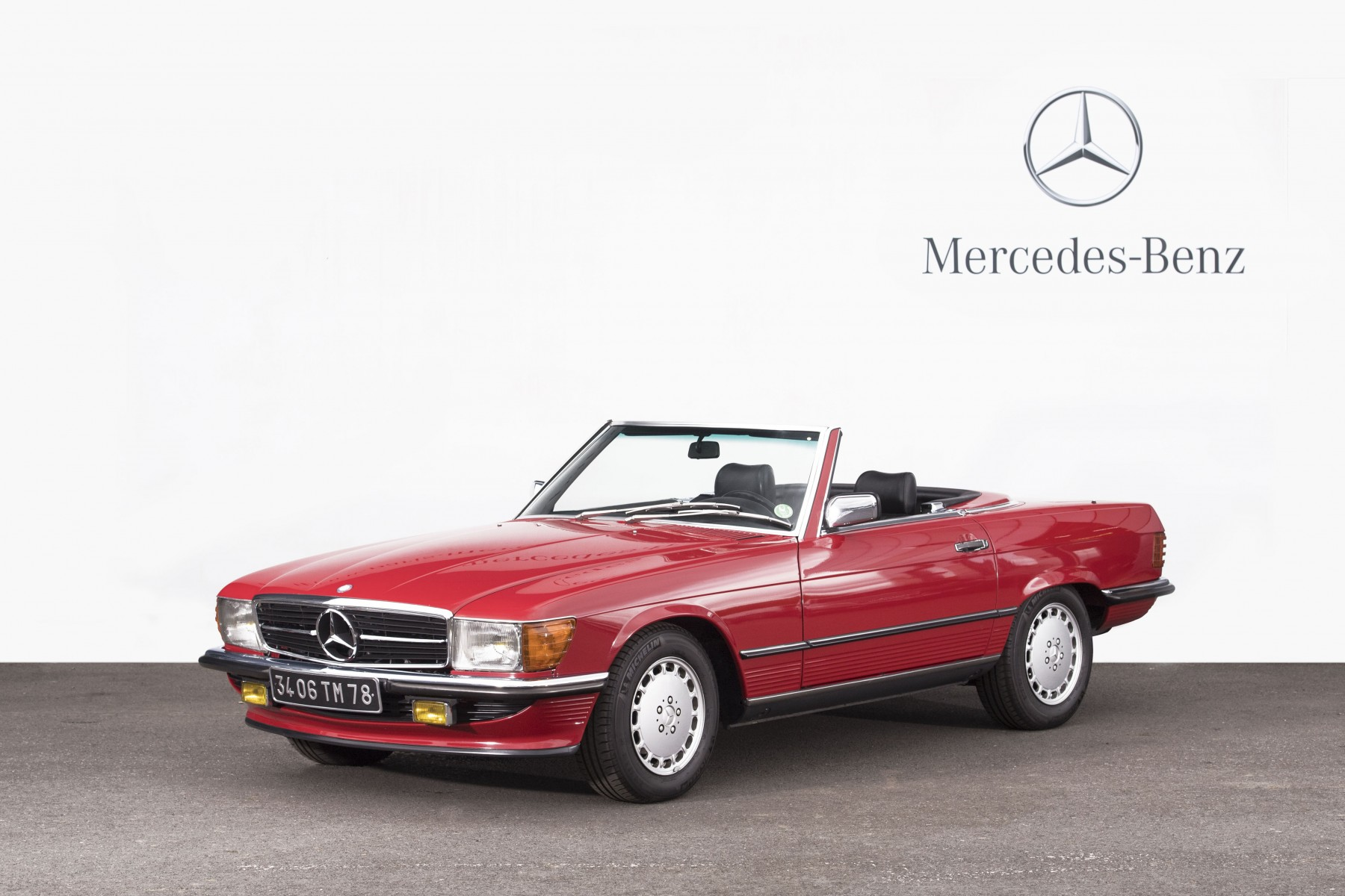 1988mercedes-benz500slcabrioletaacutetoitrigide-regartcurial
