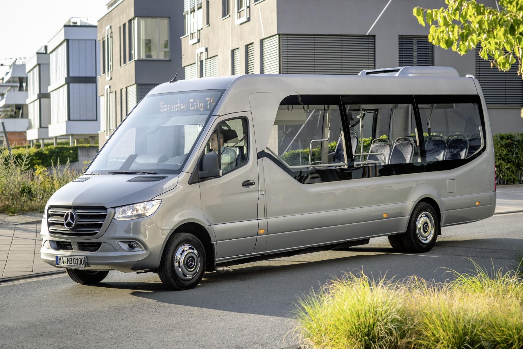 les nouveaux minibus minicars mercedes benz pr ts pour l iaa. Black Bedroom Furniture Sets. Home Design Ideas