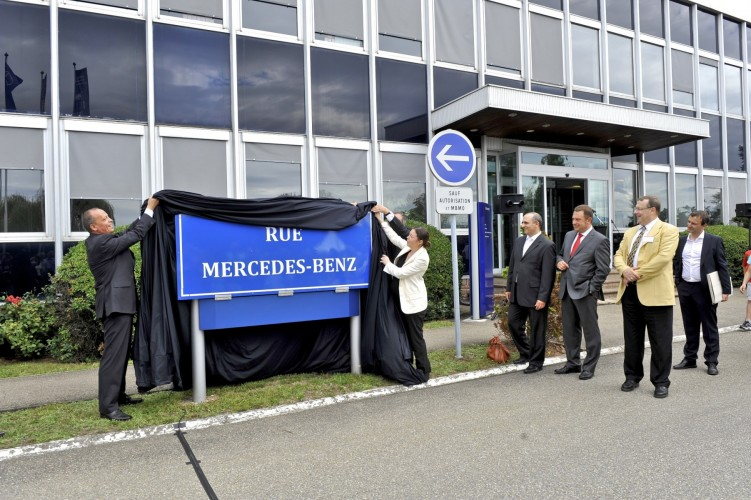 mercedes benz molsheim inaugure la rue mercedes benz et lance une nouvelle campagne de recrutement. Black Bedroom Furniture Sets. Home Design Ideas