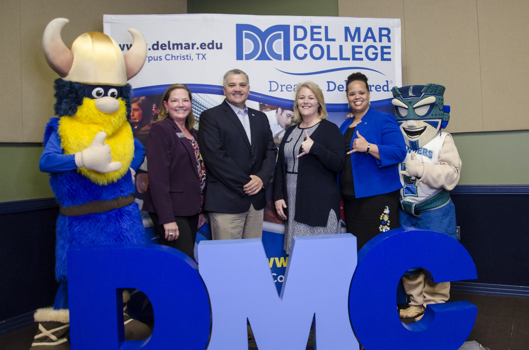 Valdar the Viking_Beth Lewis DMC_Mark Escamilla Del Mar College_Kelly Quintanilla TAMUCC_Clarenda Phillips TAMUCC_Izzy the Islander_Viking Islander Program Luncheon 2-15-2019_1