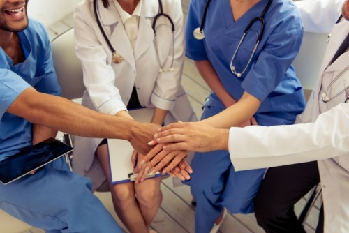 ThinkstockPhotos-542954454_teamwork_doctors