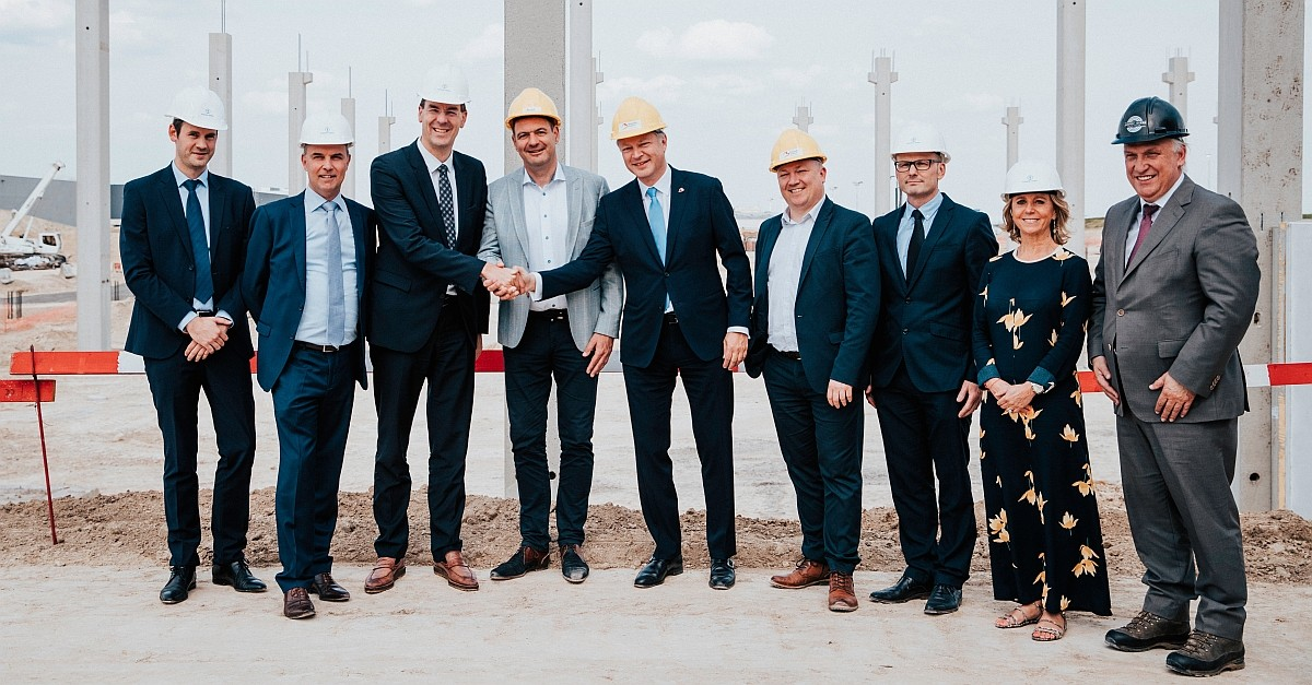 Foundation laid for Kuehne + Nagel BeLux' new state-of-the-art airfreight hub at BruCargo, Belgium