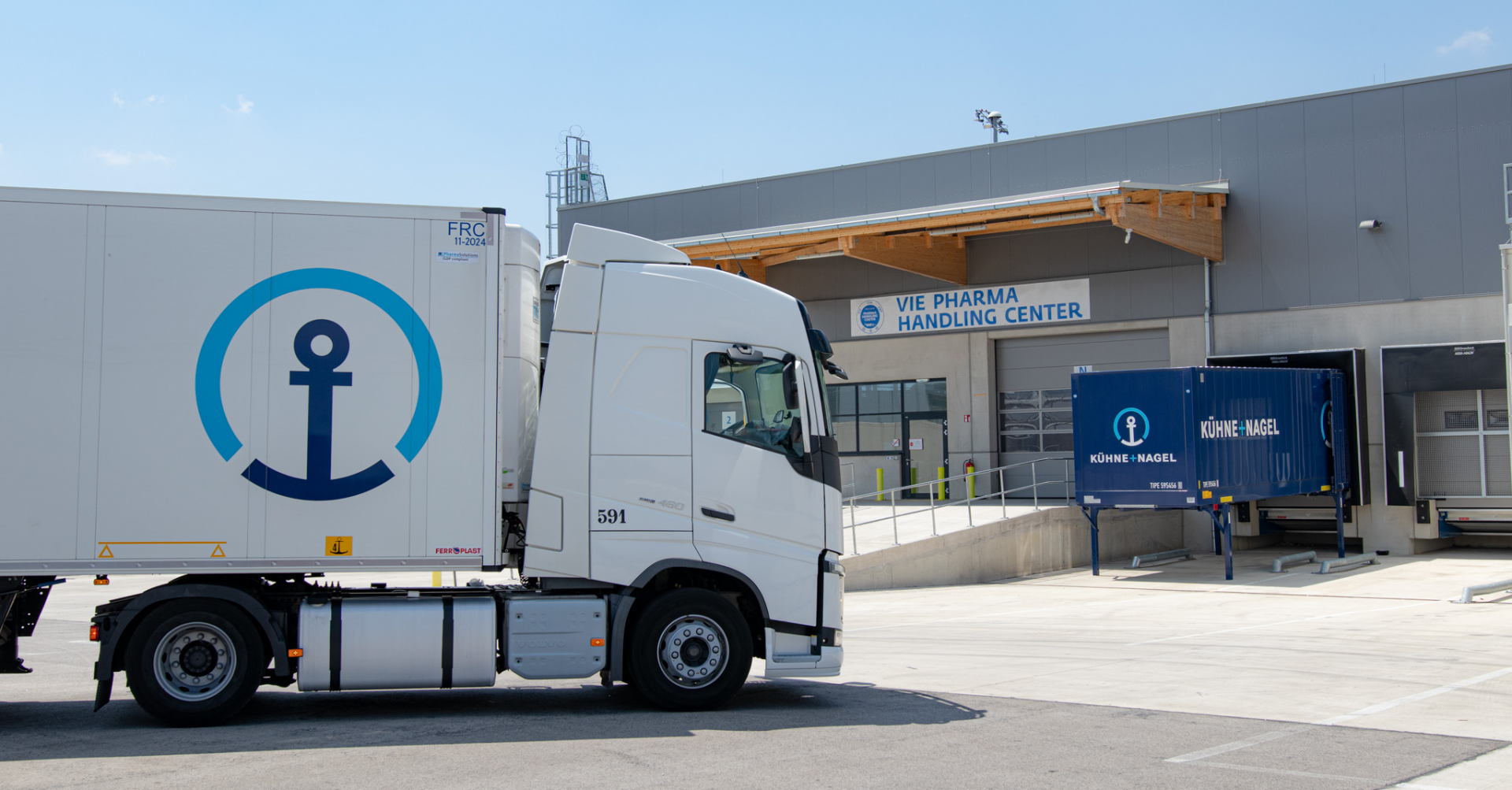 Vienna International Airport signs partnership agreement with Kuehne + Nagel on pharma freight handling