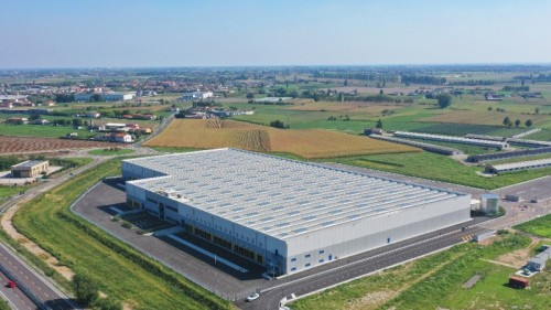 <p>Hamburg / DE, May 15, 2020 – Kuehne + Nagel has opened a new 27,000 sqm warehouse in Oppeano in the province of Verona, Italy, ideally located to serve the northern Italian ports of Trieste and Venice. Via Verona a time and cost efficient rail connection to the European market is available.</p>