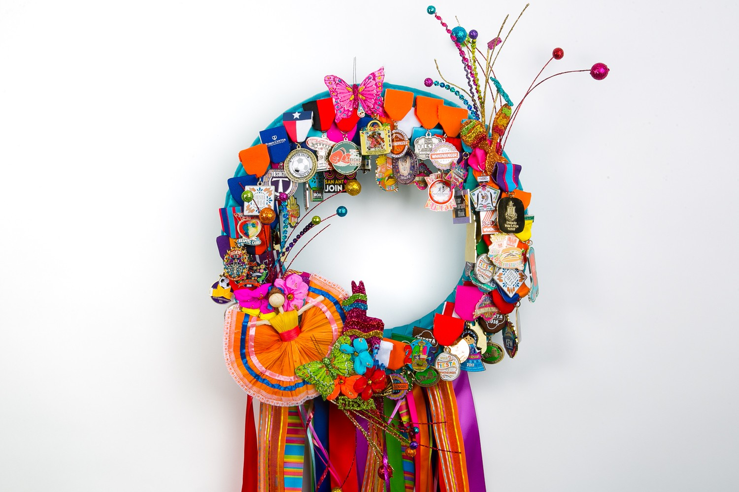 Show off your Fiesta medal collection with this DIY wreath