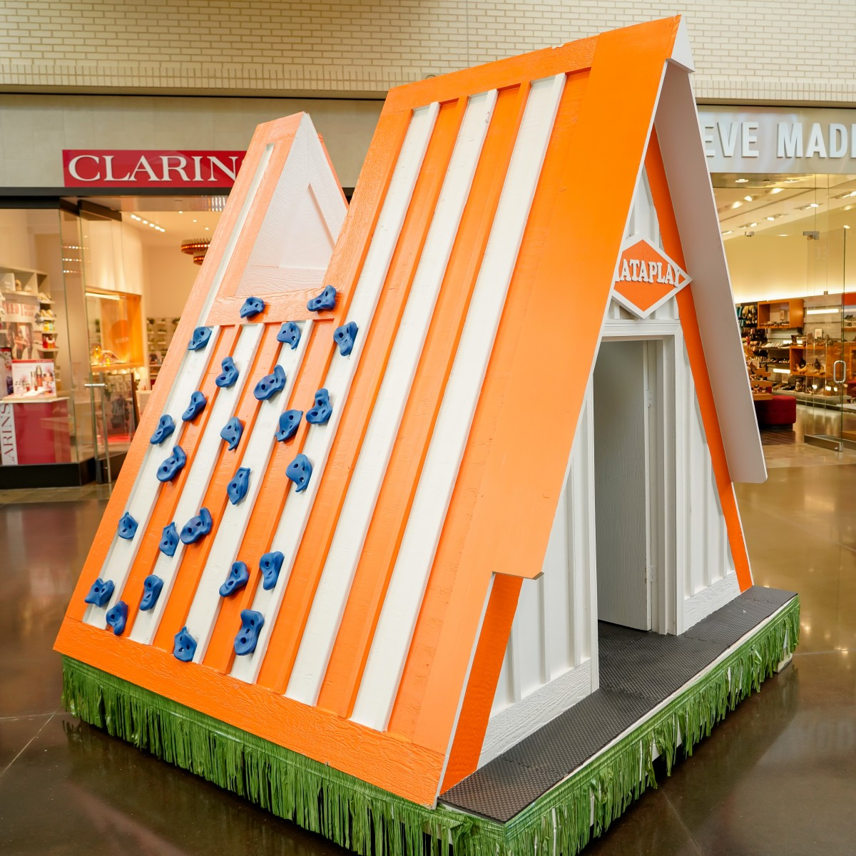 Whataburger Play House - 12