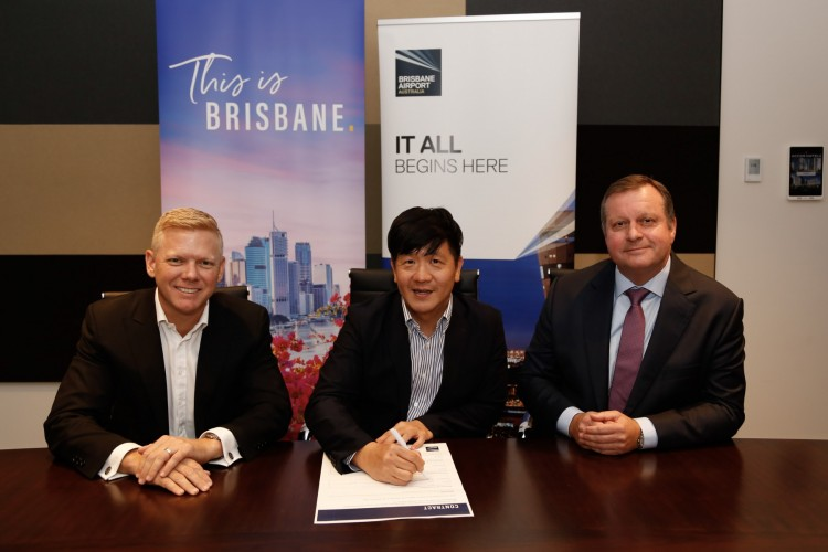 Brett Fraser CEO BM, Peter Phang Executive Director BrandStory, Gert-Jan de Graaff CEO BAC