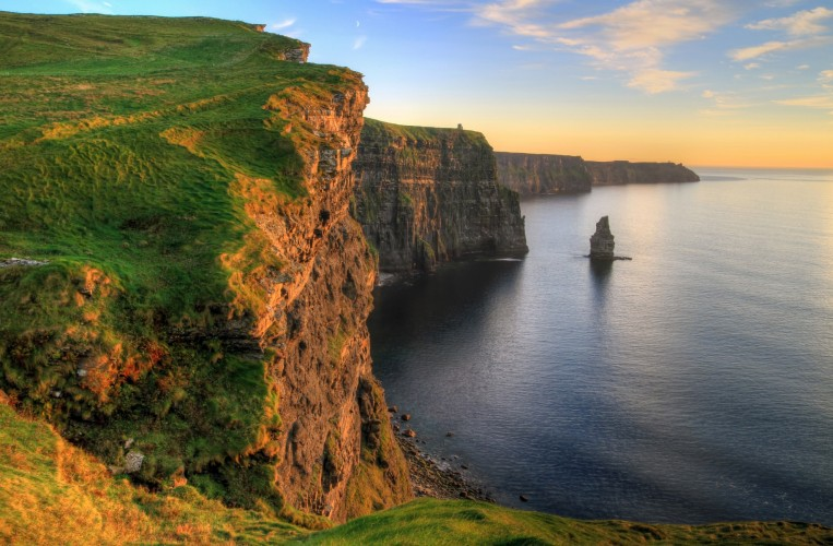 Cliffs+of+Moher+near+Shannon