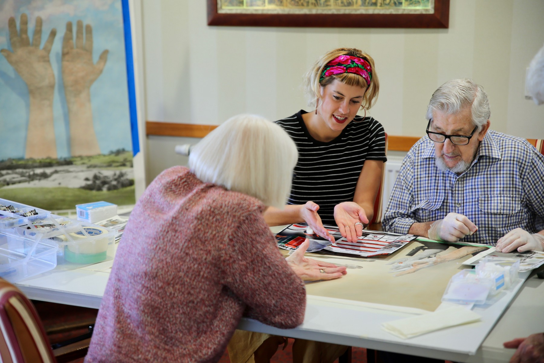 Artist Georgie Mattingley with Bupa Kyneton residents