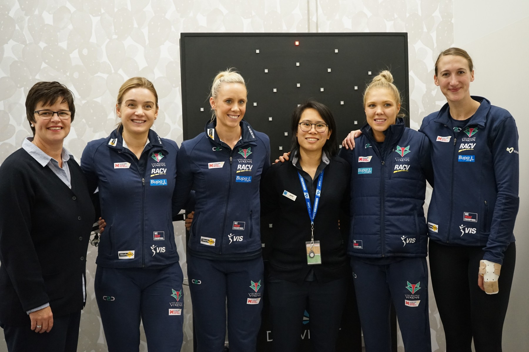 Melbourne Vixens and Bupa Therapy Team
