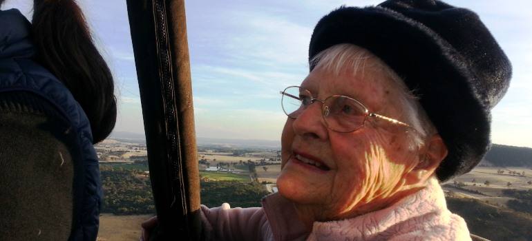 Lorna-James-Bupa-Aged-Care-Kyneton-resident-takes-a-balloon-ride