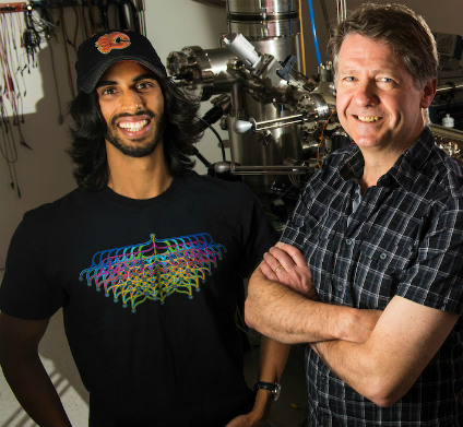 Roshan Achal (left) used nanotechnology perfected by his PhD supervisor, Robert Wolkow (right) to create atomic-scale computer memory that could exceed the capacity of today's solid-state storage drives by 1,000 times. (Photo: Faculty of Science)