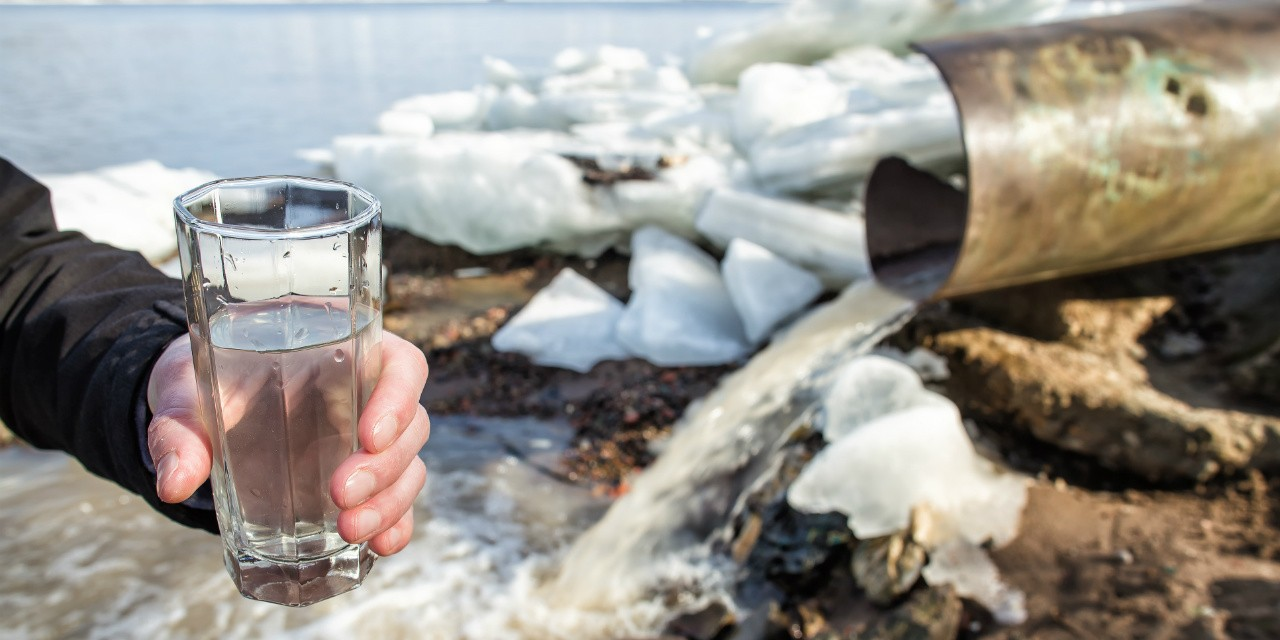 "People who drink unsanitized ""raw water"" run the risk of getting a host of diseases including dysentery, says health skeptic Tim Caulfield."
