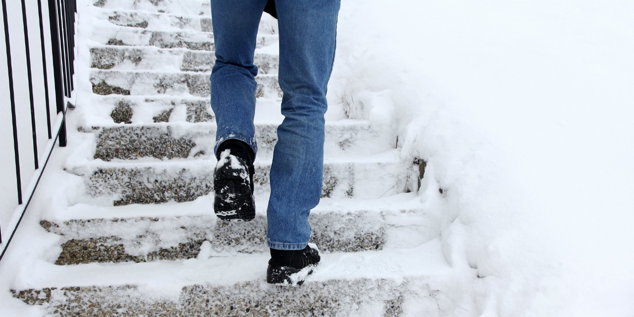 Footwear with treads like winter tires can help you prevent wipeouts that could land you in the hospital, says a UAlberta injury prevention expert.